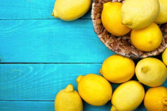 Лимон или любые кислые ягоды