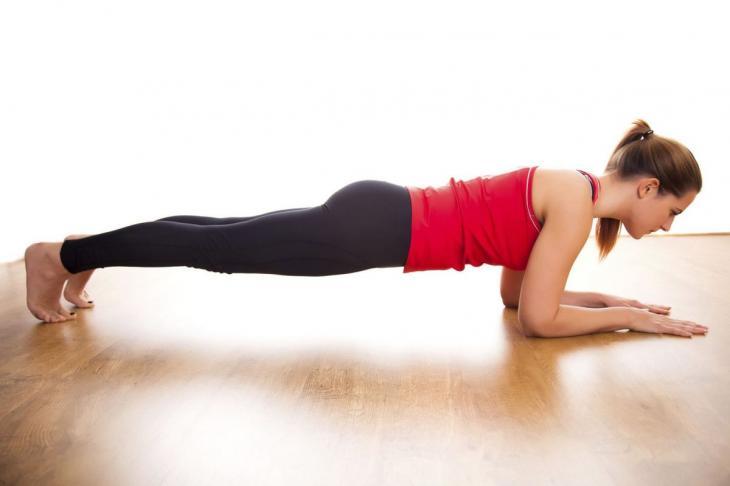 Включить в каждый день немного физических упражнений