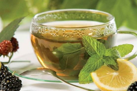 Чай с добавлением лимона и мяты