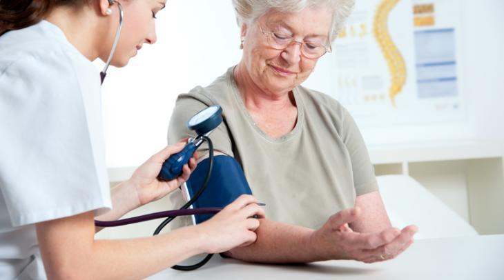 49 15157023372 - Die wichtigsten Symptome von Bluthochdruck bei Frauen