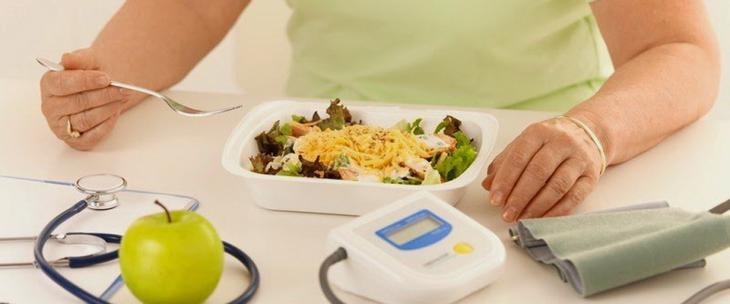 Последний прием пищи должен быть за 1-2 часа до сна