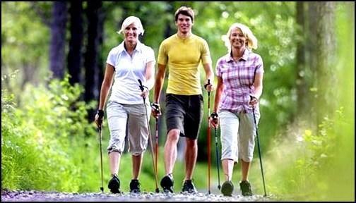 ежедневно совершать пешие прогулки в среднем темпе